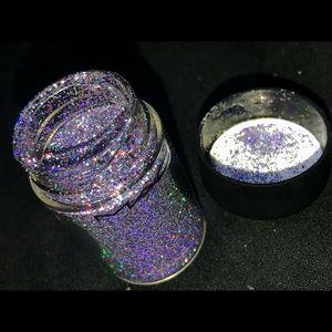 MAC cosmetic glitter